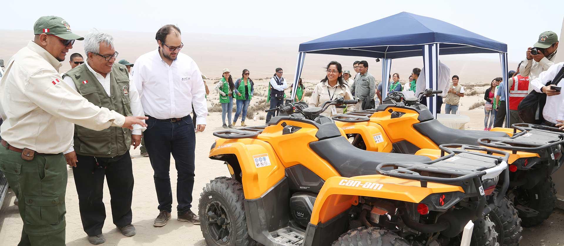 Contugas entrega cuatrimotos, dron y módulo de control a la Reserva Nacional San Fernando